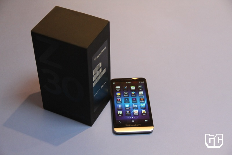 Blackberry z30 box and phone