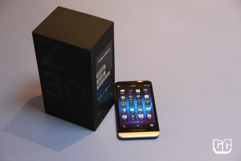 Blackberry z30 box and phone