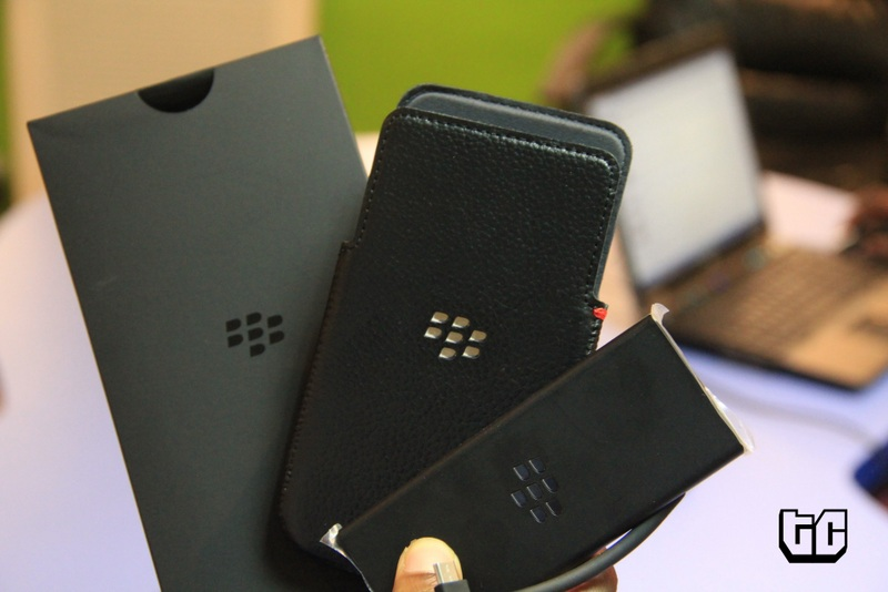 blackberry z30 accessories