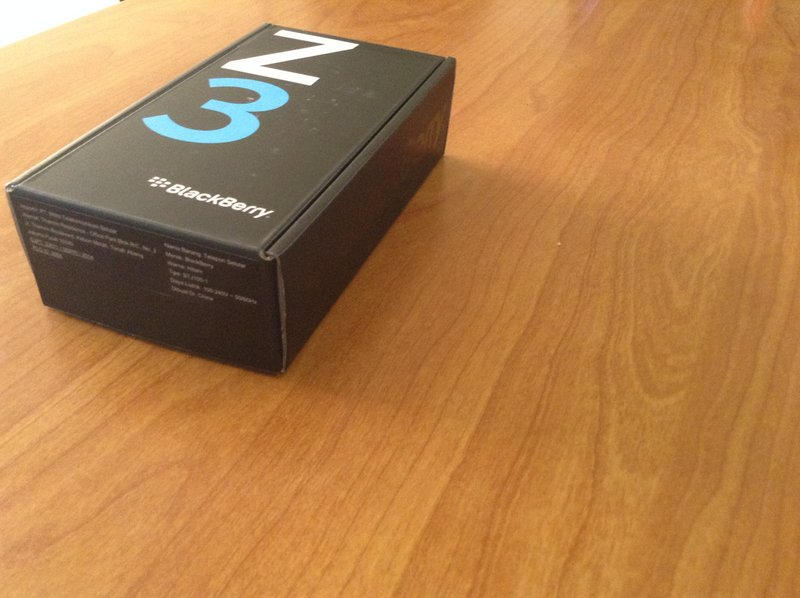 Blackberry-z3-unboxing
