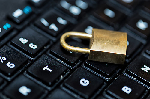 Five Tips For Staying Safe Online In 2015