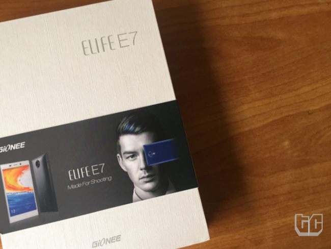 Unboxing: The Gionee Elife E7 Comes with a Lot of Stuff