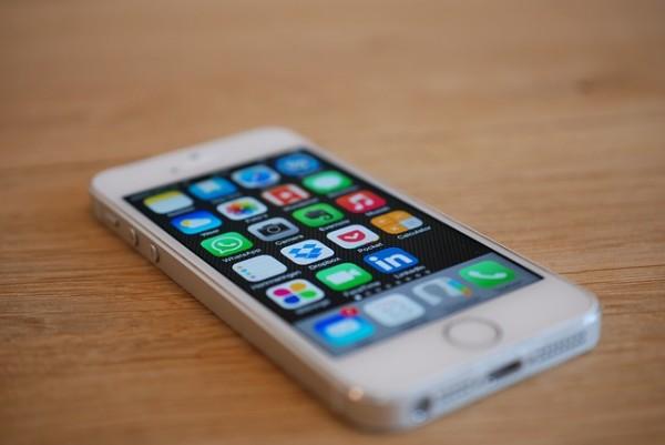 iphone-676767_640