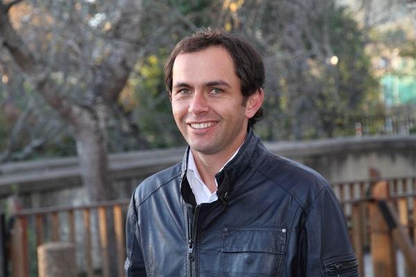 Alan Knott-Craig JR
