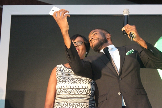 Compere of the Night, Ebuka Obi-Uchendu in a selfie with the CEO, Main One