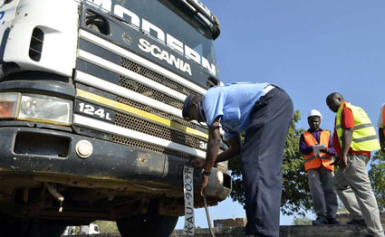The Kenyan government plans to introduce smart number plates and digital licenses in 2017