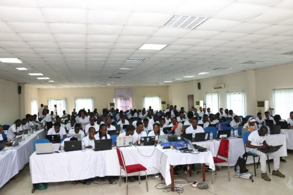 Data Science Nigeria Bootcamp: Passion, Learning, and A Lady Hackathon Winner